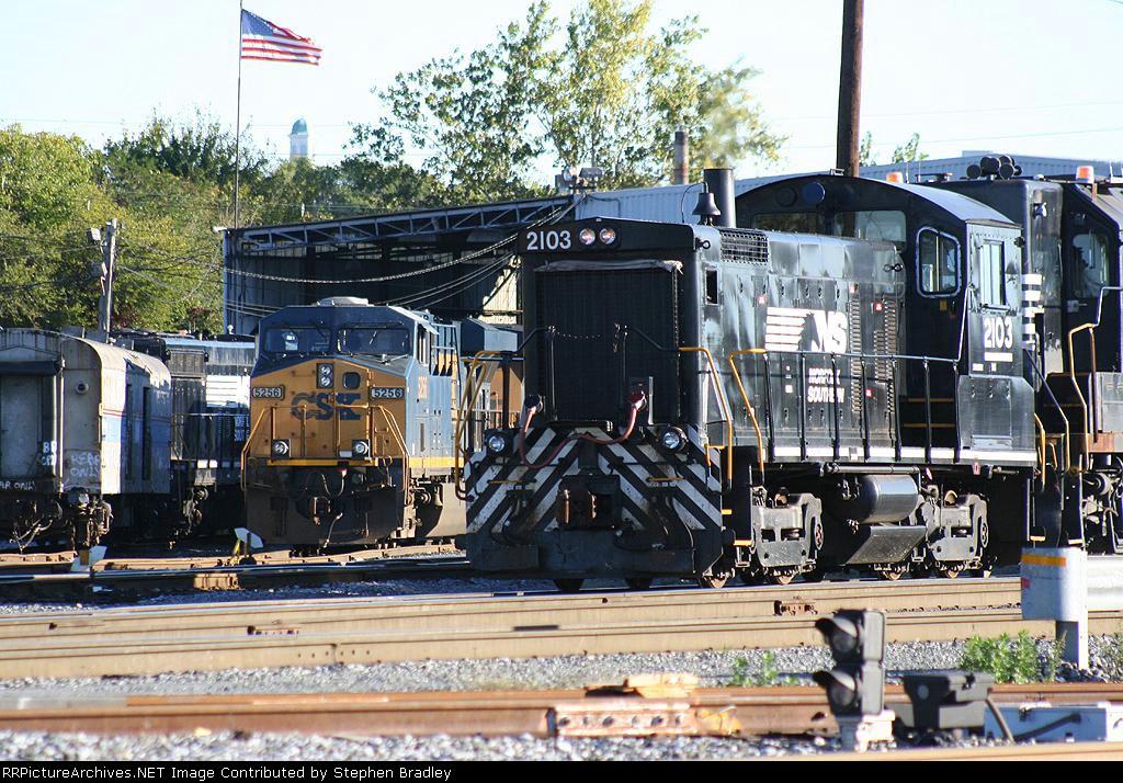 NS 2103 & CSX 5256