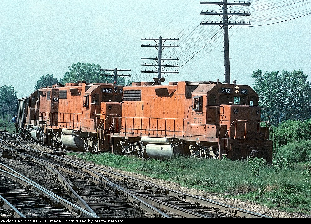 EJ&E 702, 667, and 656 Working the Interchange With the Milwaukee Road