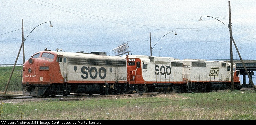 SOO 2225A, 700, and 733