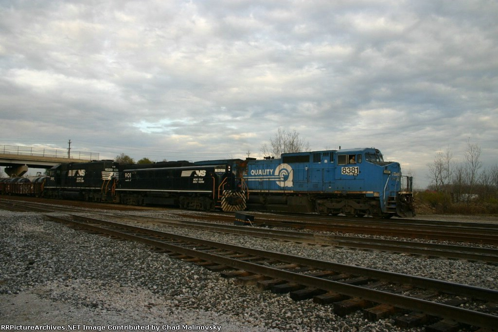 NS 8381 departs as NS 3812 humps