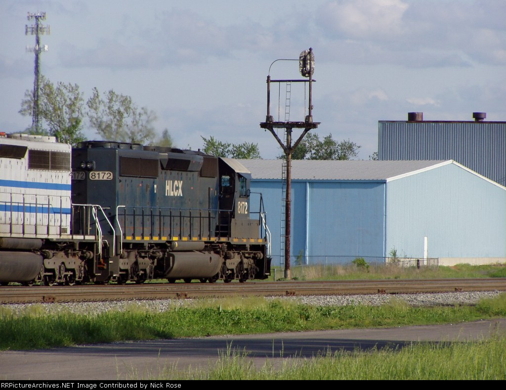 HLCX 8172 going by an old NKP signal