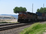 BNSF 110 leads EB Stack