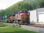 BNSF 646 leads EB Stack train.