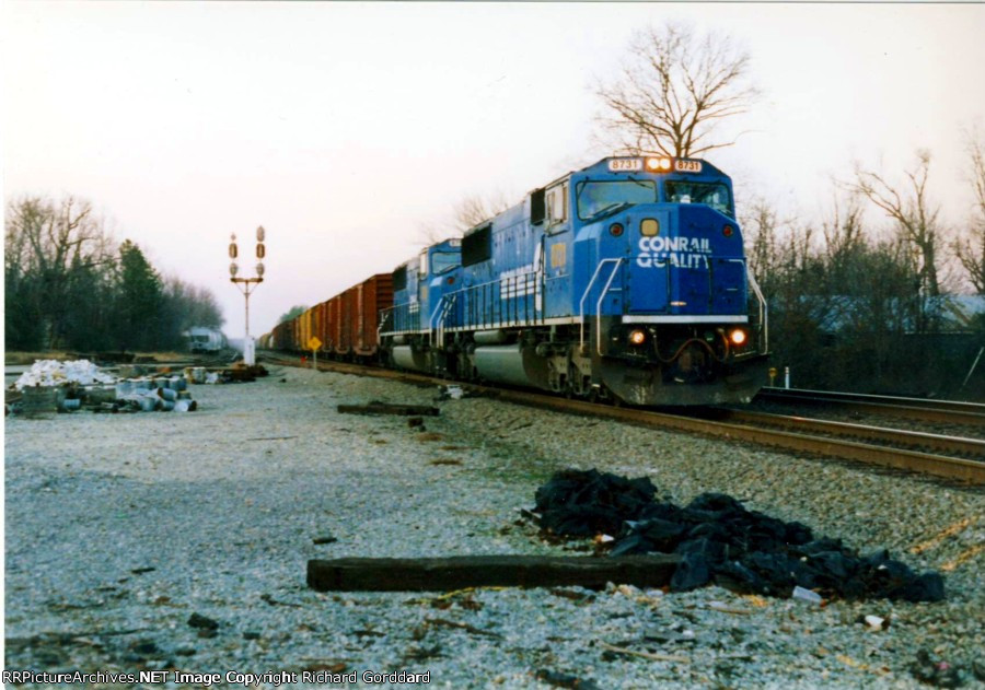 Two CR/CSX Units on the old RF&P