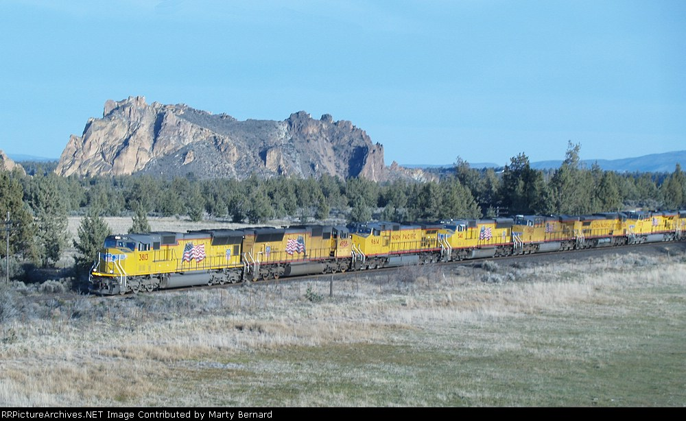 UP 3813 and Seven Sisters Roll Mixed Freight NB