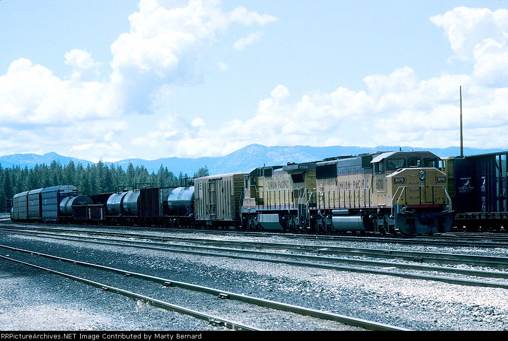 UP 6170 and 9306 in Yard