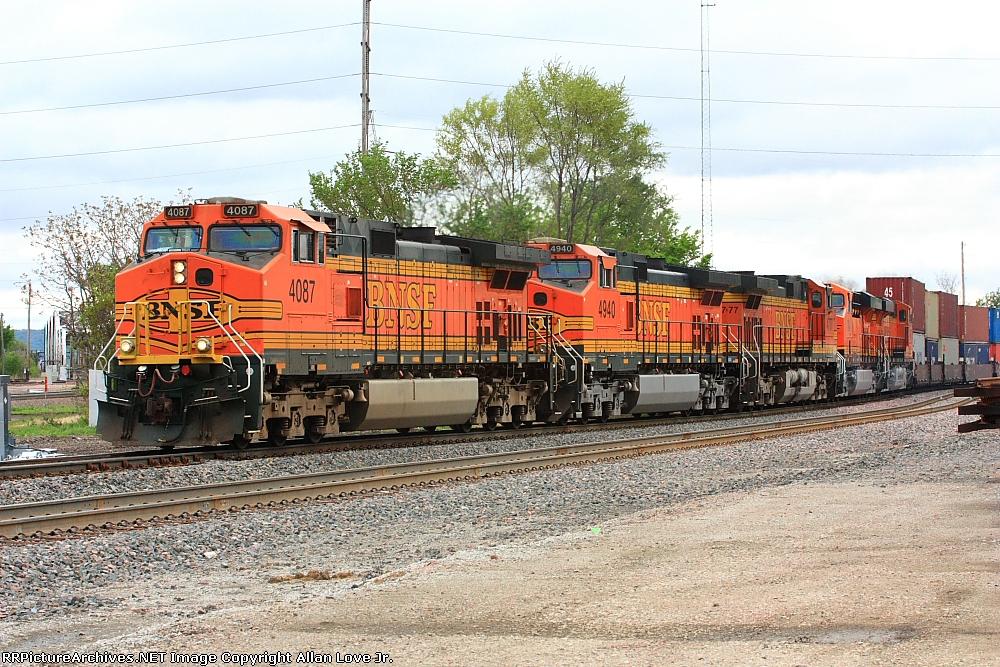 BNSF 4087 west