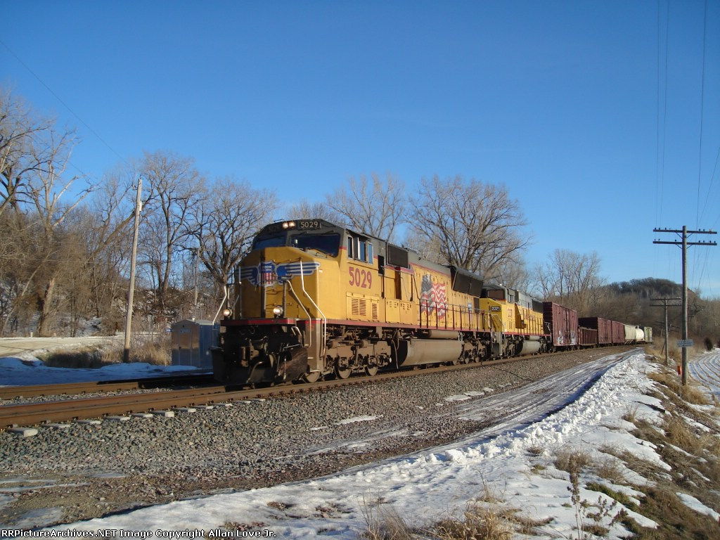 UP 5029 east