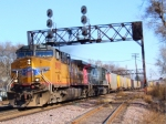 Pair of UP AC44s w/Empty Coal Train