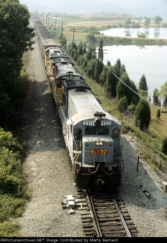 CSX Freight Along the Tennessee River