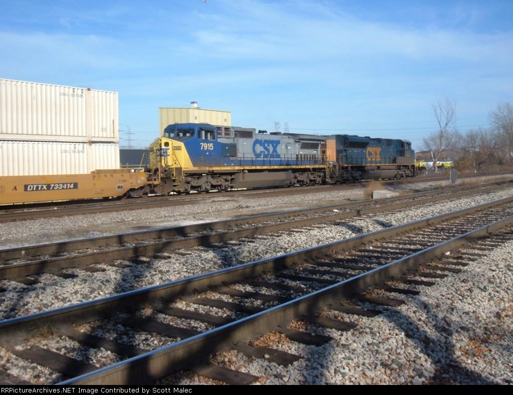 CSX 4835 & 7915