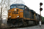 CSX 5256 rolls north past a soon to be replaced signal