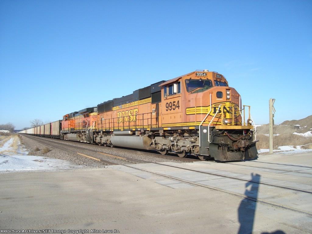 BNSF 9954 east.