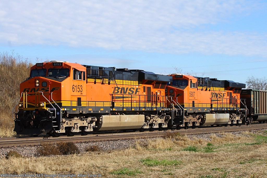 BNSF 5163 west