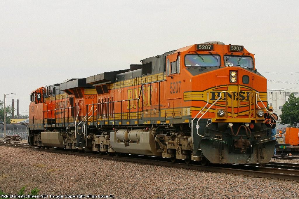 BNSF 5900 north