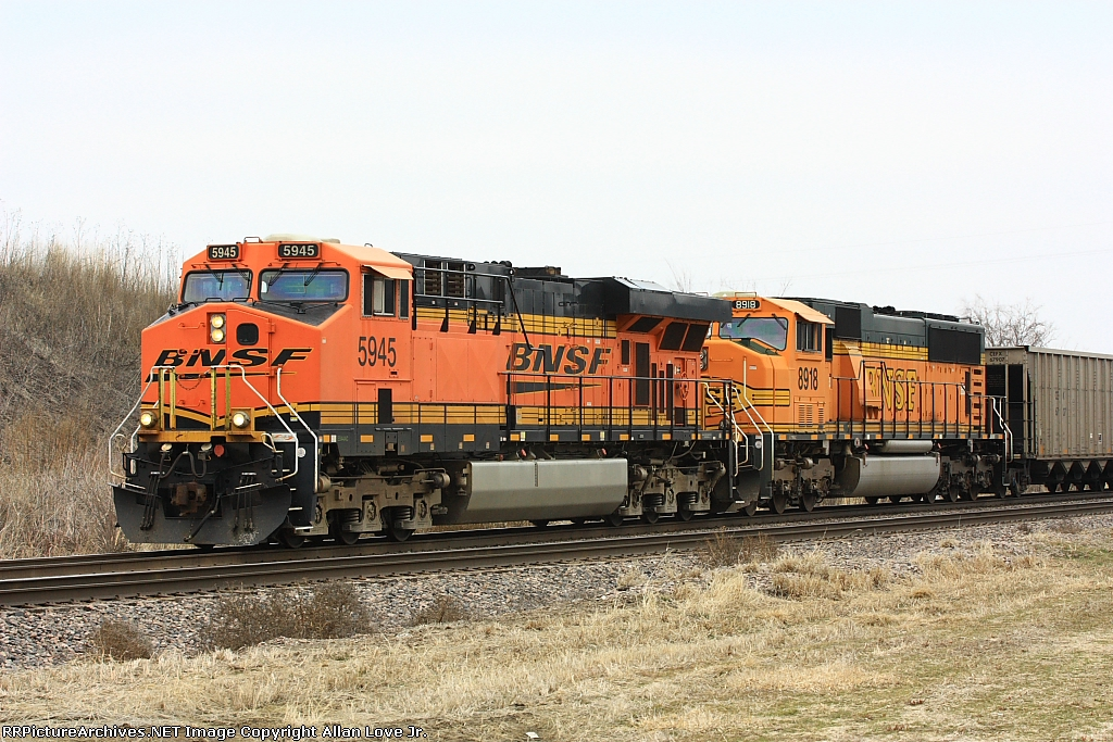 BNSF 5943 west