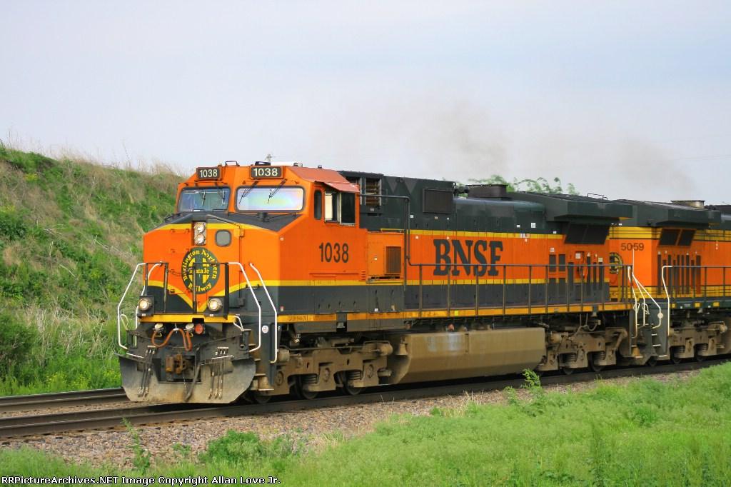 BNSF 1038 west