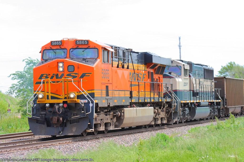 BNSF 5865 west