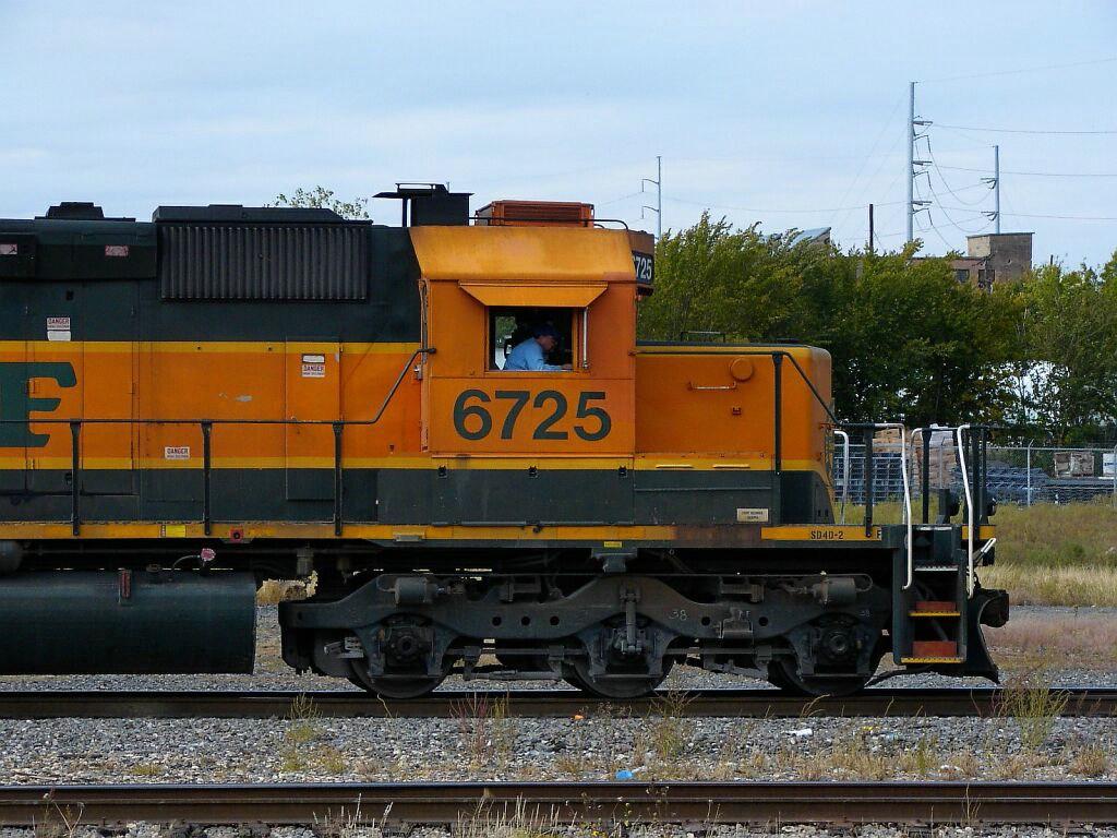 BNSF 6725