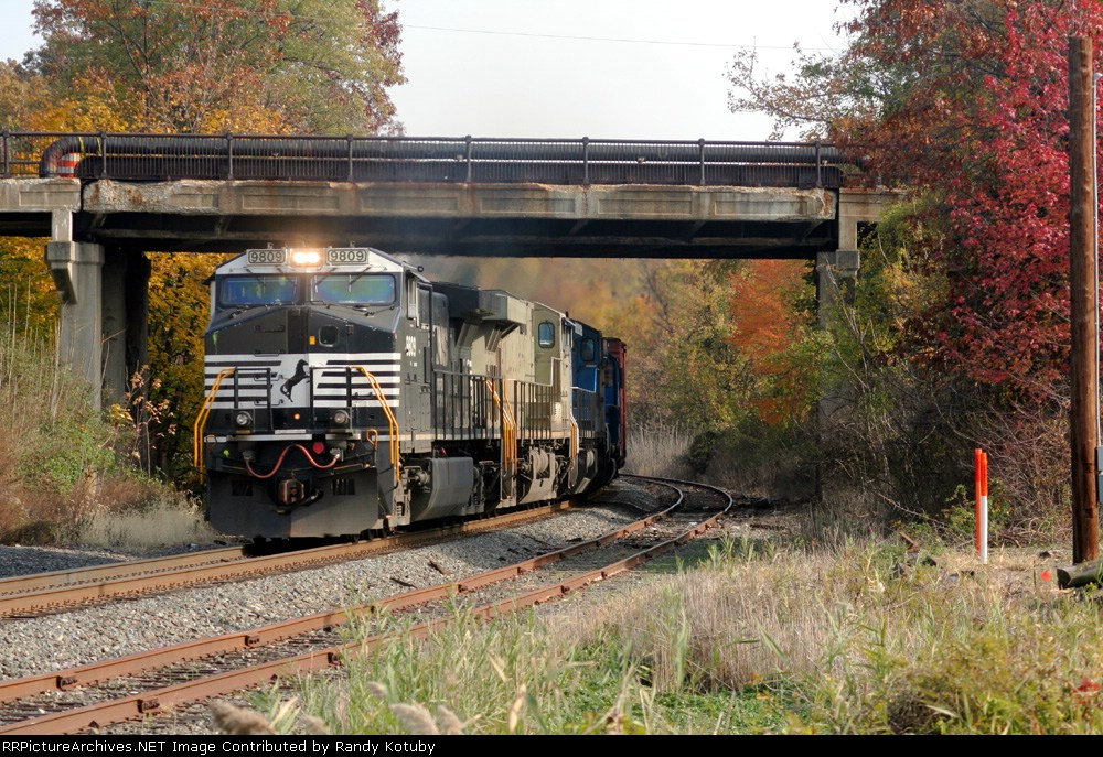 NS 9808 westbound at South Plainfield NJ 11/05/06