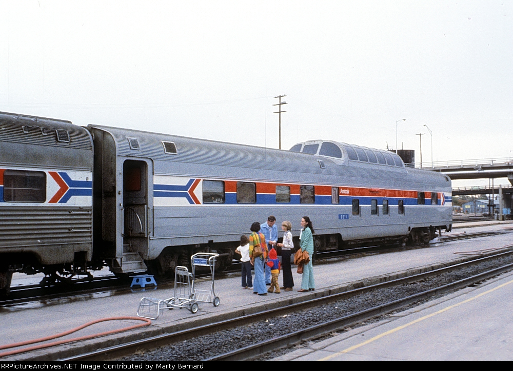 AMTK Dome Car on Tr. 4