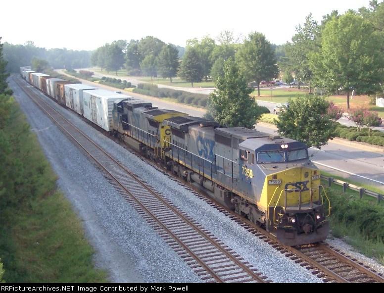 CSX 7359 on Q141 heading south