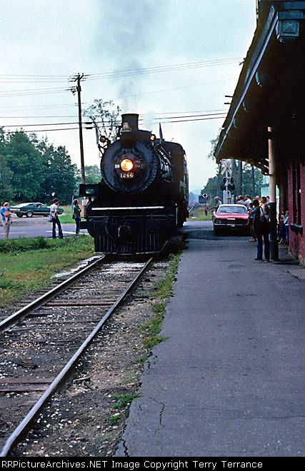 CP 1246 pulls into Chester, VT