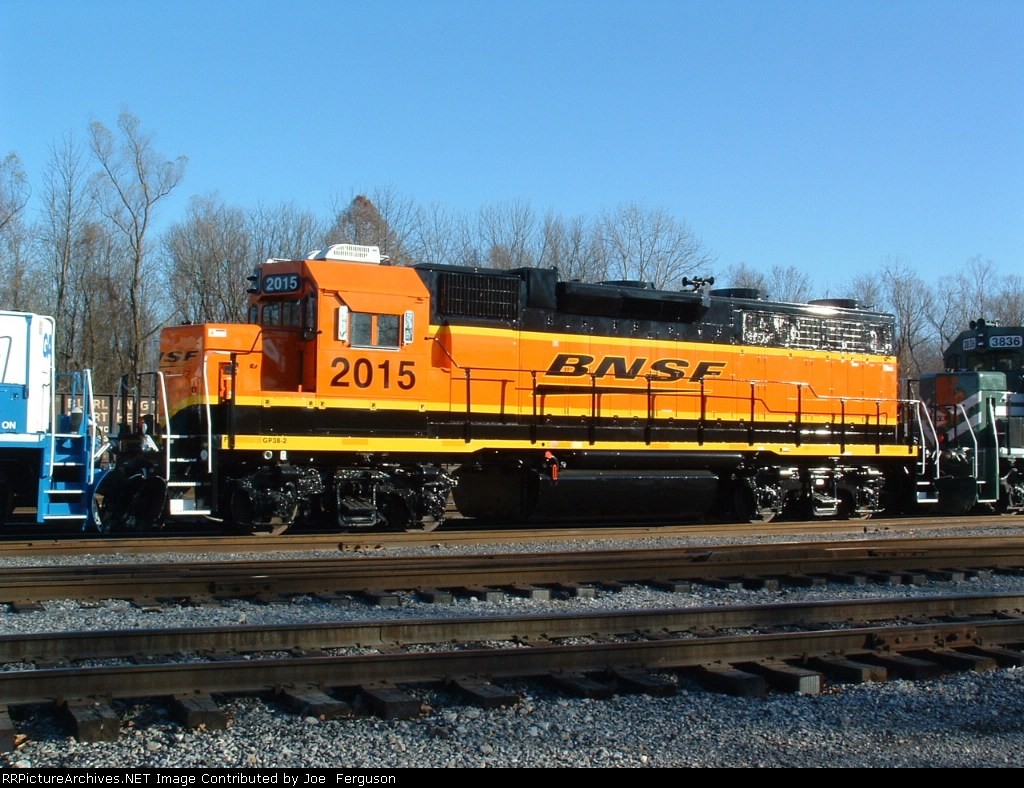 BNSF GP38-2 2015, rebuilt from GTW GP40 6403 [note gap between rear fans)
