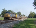 CSX 9040 on Q237 heading south