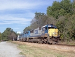 CSX 8517 on Q669 heading south