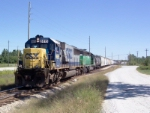 CSX 8615 on Q669 heading south