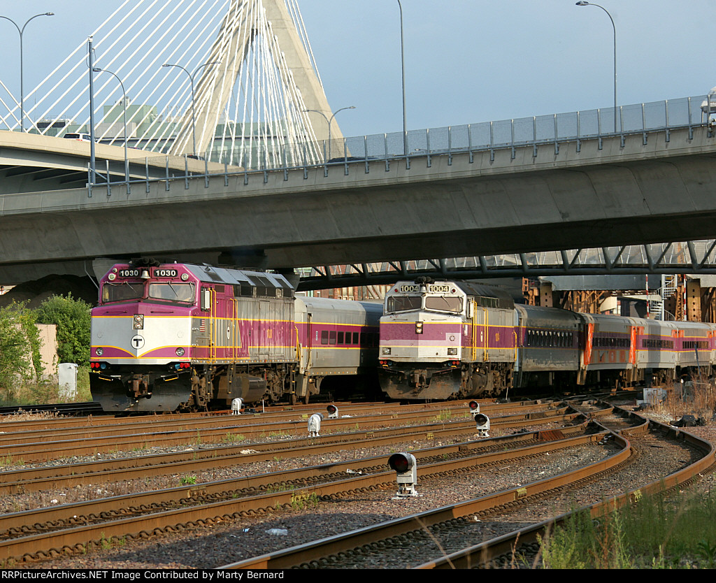 MBTA 1030 Pushing Inbound and 1004 Pulling Outbound on North Station Leads