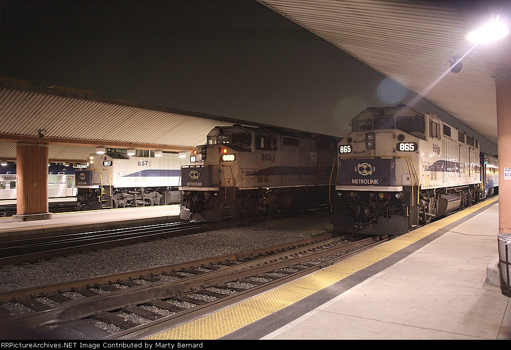 SARX 865, 868, and 857 at LAUS Waiting to Take People Home