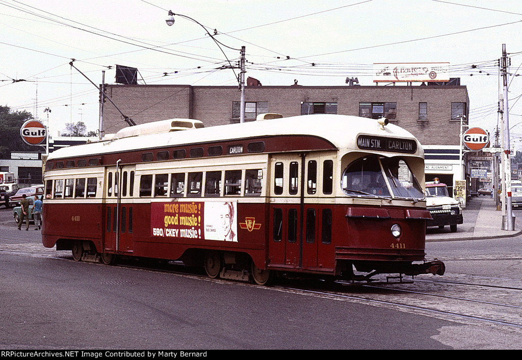 TTC 4411 at Howard Pk. and Dundas