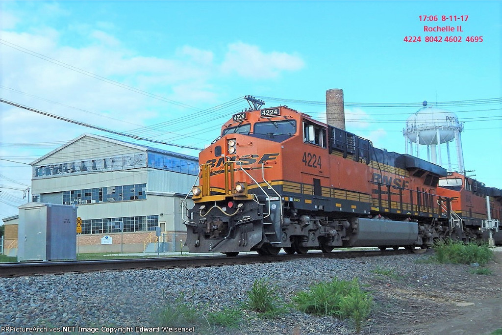 BNSF 4224 leads a manifest about to rattle the diamonds
