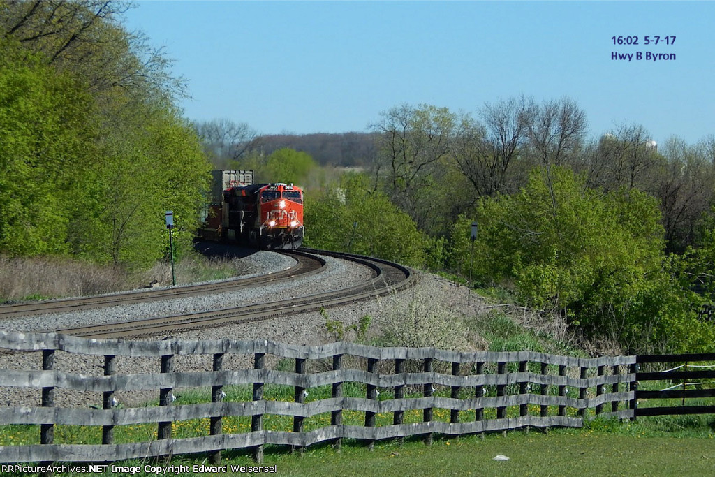 Tier 4 duo leads an intermodal about to meet the Quad Graphics local near Hwy B
