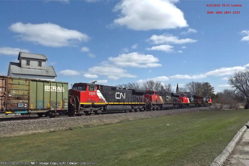 A pair of Tier 4s lead south