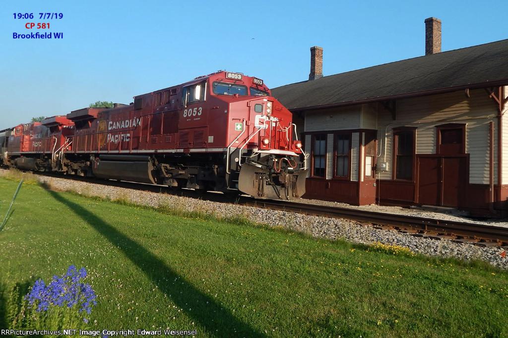 581 rolls past the Brookfield depot