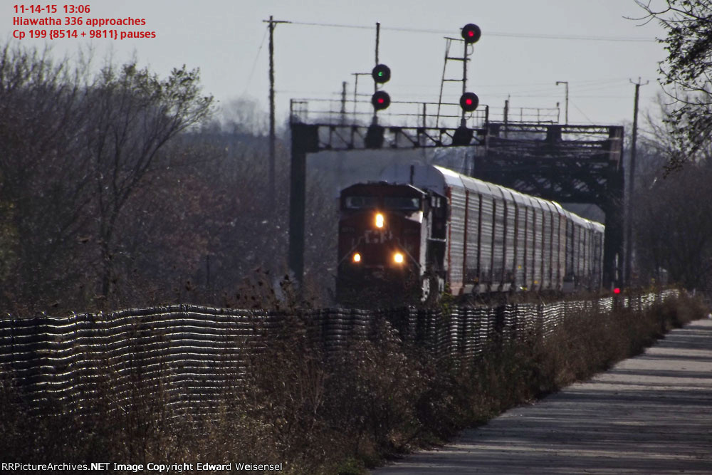 Amtk 336 approaching on main 1 with 199 headed north in a westerly fashion