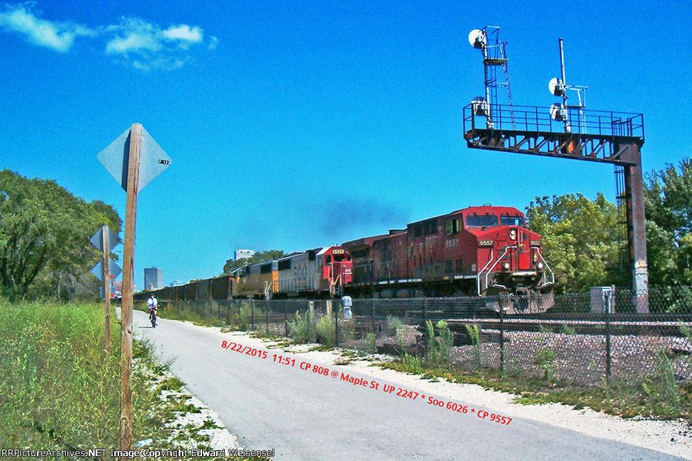 CP 9557 (808) toasts the Milwaukee Road era KK bridge signal