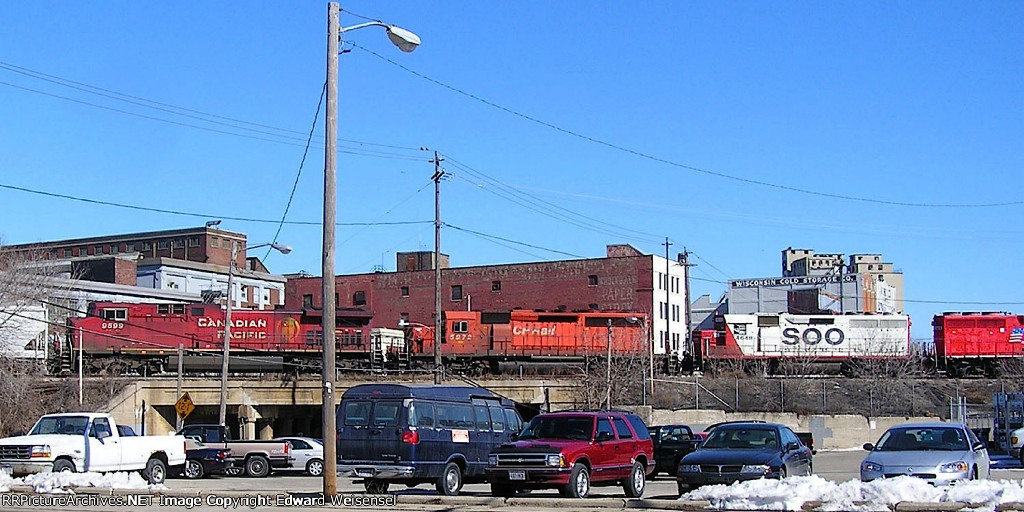 Ac4400, a 40-2 and a Gp40