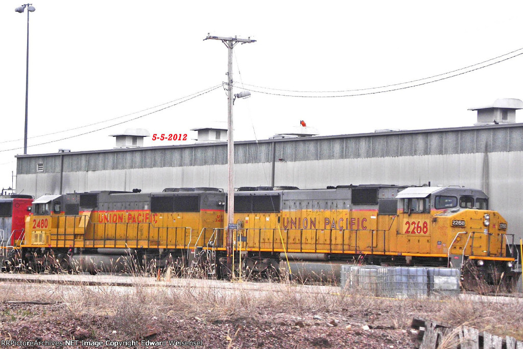 Sd60m's 2268 + 2480 - both 3-window cabs - snore east of the Butler loco shop