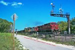 CP 9557 (808) toasts the Milwaukee Road era KK bridge signal