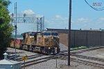 Eastbound intermodal rattles the diamonds