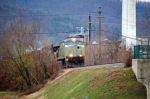 NS 7557 (ES40DC) in primer drops off coal cars to the Dupont plant
