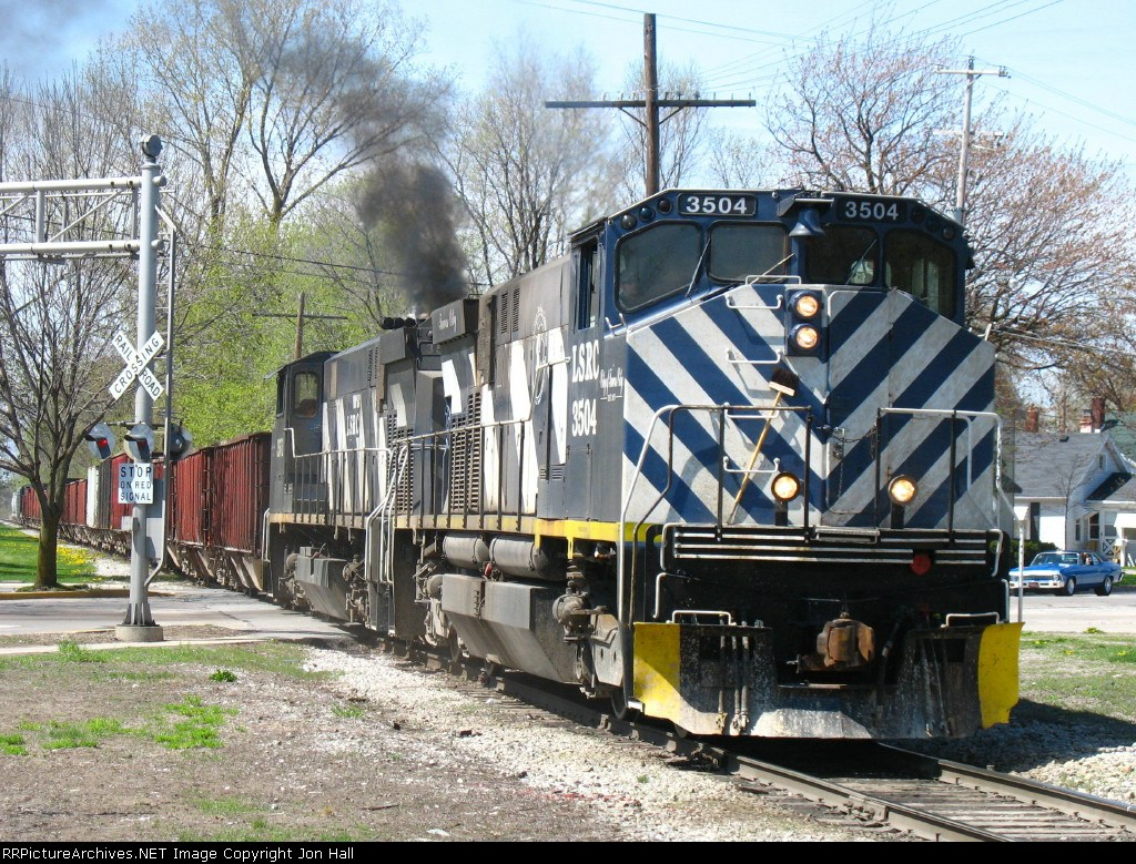 301 pulling down from Wenona Yard as they head across town to D&M Yard