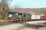 173 screams up Yadkin hill with 8686, 7601, and whitefaced 2524