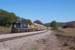 Train Q220-04