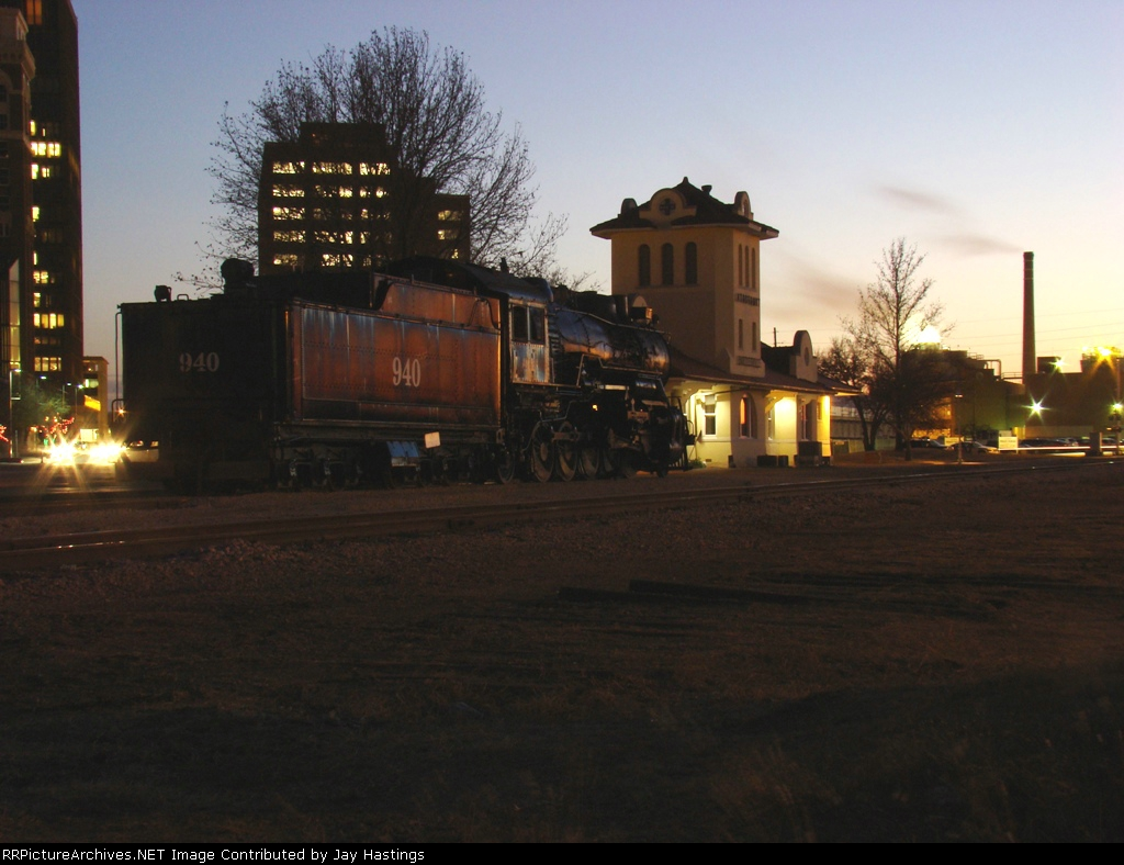 ATSF 940 2-10-2 is back home