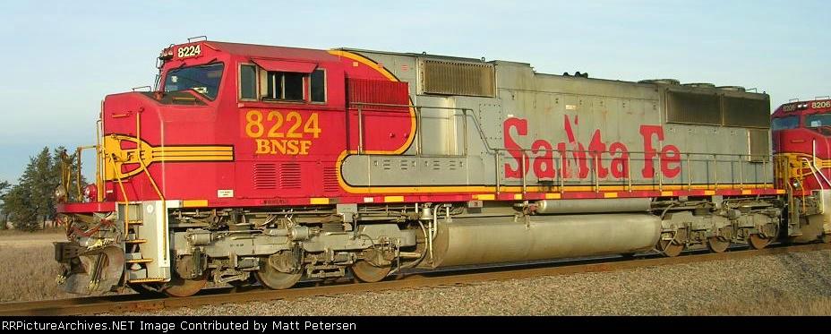 BNSF 8224